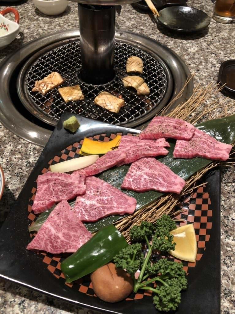 ギャルと焼き肉