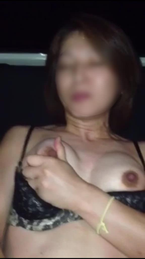 アブノーマル熟女の乳首