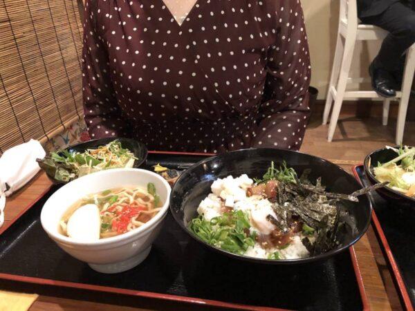 出会った人妻との食事
