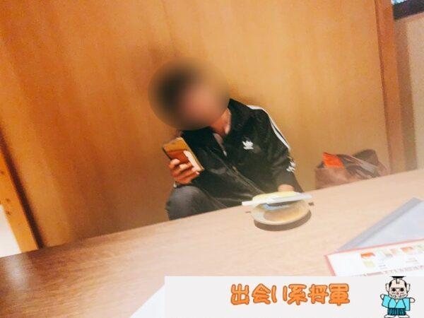 イケメカフェで出会った男性と食事